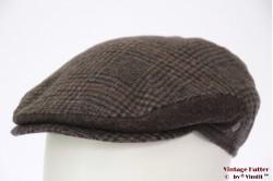 Platte pet Wegener bruin wol met oorwarmer 57 [nieuw]